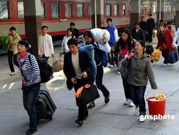 Migrant workers going home